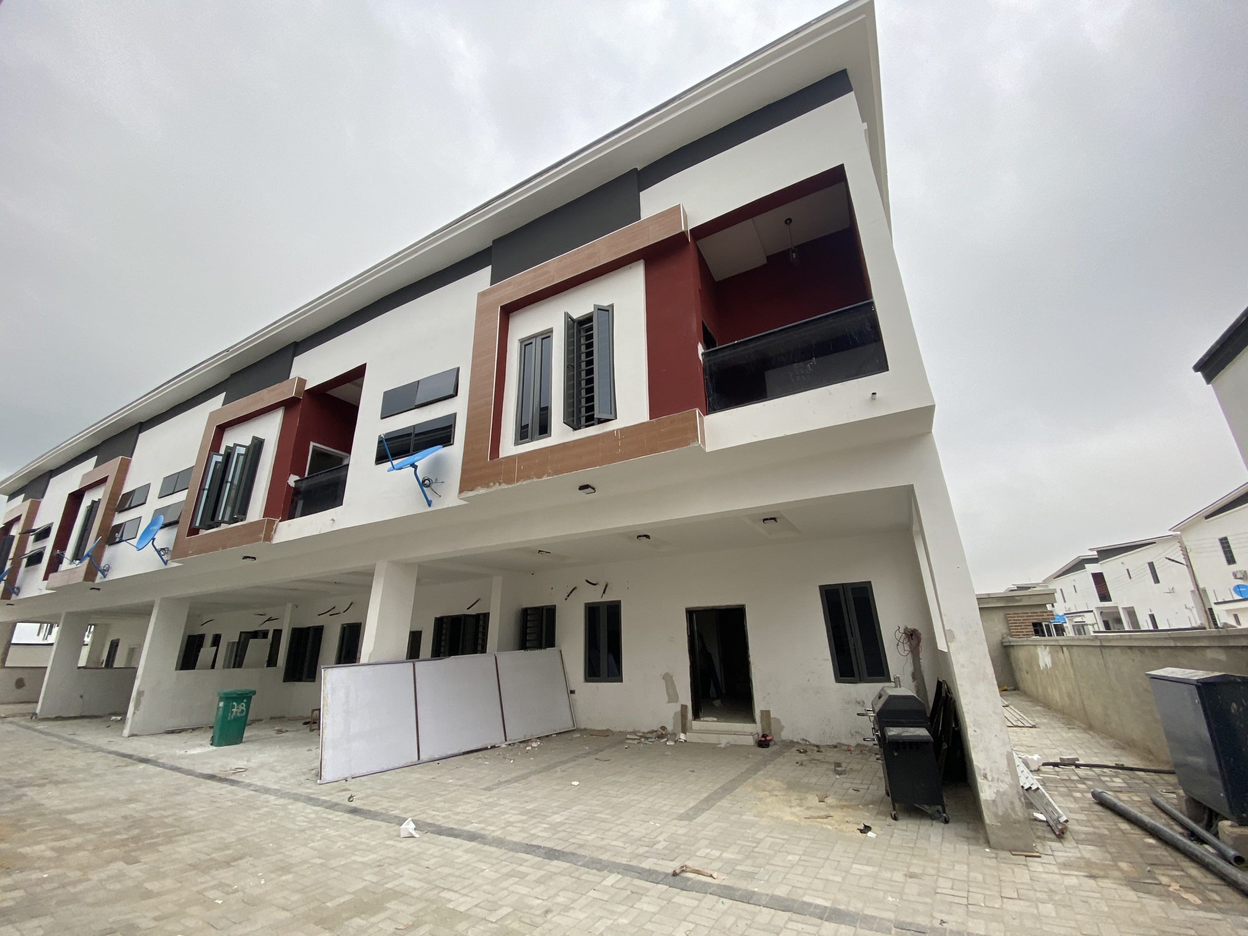FULLY SERVICED 3 & 4 BEDROOM TERRACE DUPLEX FOR SALE