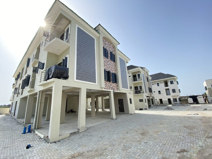 3 BEDROOM APARTMENT AT IKOTA FOR SALE