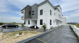 4 BEDROOM SEMI-DETACHED DUPLEX AT IKATE FOR SALE