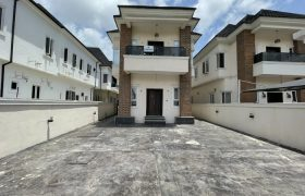 5 BEDROOM FULLY DETACHED DUPLEX AT CHEVRON FOR SALE