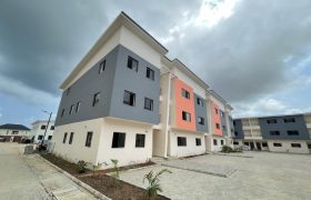 3 BEDROOM APARTMENT FOR AT IKATE RENT