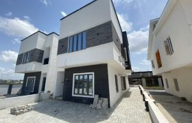 5 BEDROOM SEMI-DETACHED DUPLEX AT IKATE FOR SALE