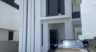 LUXURY 5 BEDROOM FULLY DETACHED AT OSAPA FOR SALE
