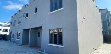 3 BEDROOM DUPLEX FOR RENT AT CHEVRON FOR RENT