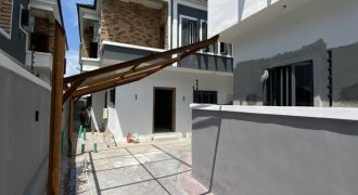 4 BEDROOM SEMI-DETACHED HOME AT AGUNGI FOR SALE